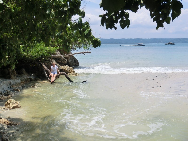 Caro am Traumstrand im Nationalpark Pangandaran